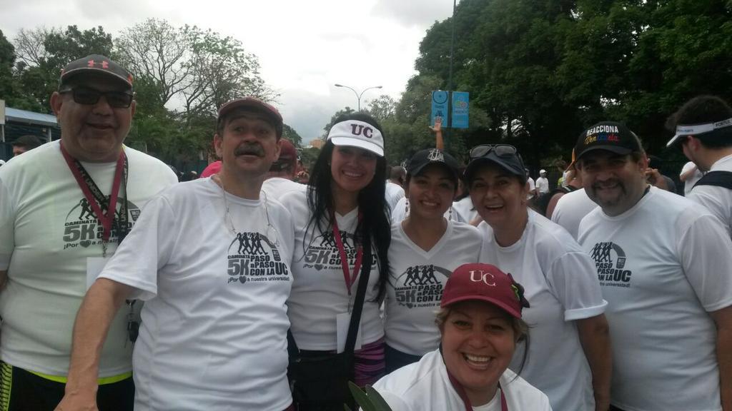 Hermosa Caminata @pasoapasouc Felicitaciones al comité organizador y en nombre de @FM_UC muchas Gracias