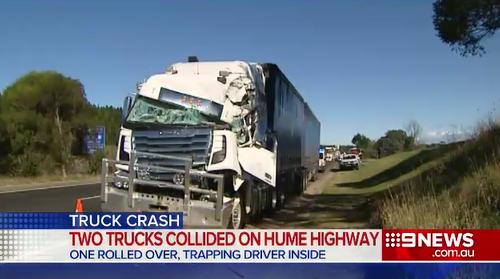 Hume Highway Sutton Forest : Driver injured trucks collided