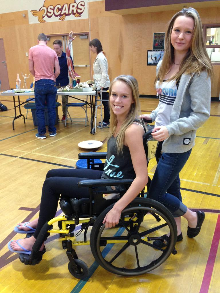@NPSecondary #sd60 students @LauriePetrucci @bcampbell74 students learning about careers in health care! http://t.co/0ud0C401wF