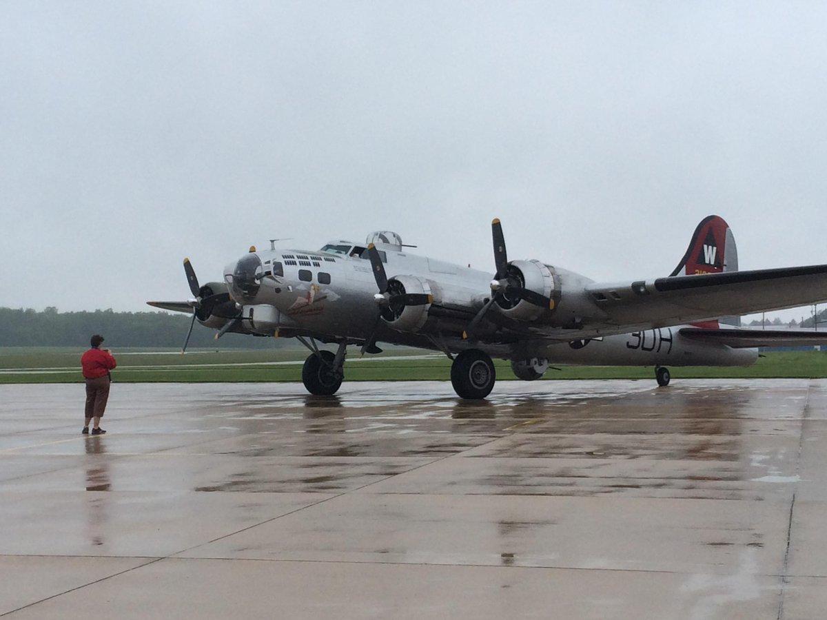 """test Twitter Media - The @EAA B-17 """"Aluminum Overcast"""" arrived @dekalbairport this morning. http://t.co/svVJzxslXd"""
