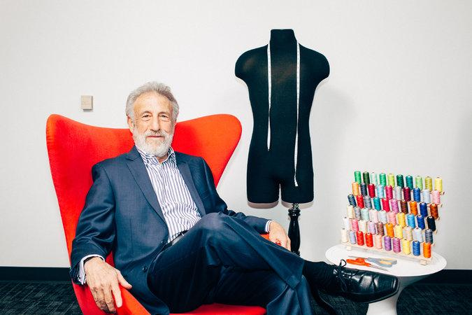 "George Zimmer, ousted from Men's Wearhouse, is back with ""Uber for tailors."" http://t.co/1pyN8ZBzq7 http://t.co/iSPEcQRMQf"