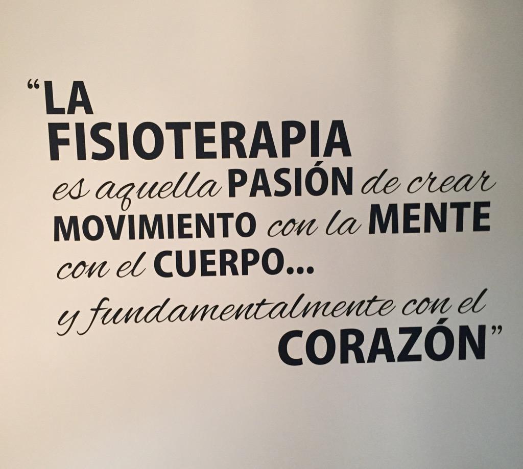 Me ha gustado la definición de #Fisioterapia Visto en una puerta. http://t.co/mzf32CnYOG
