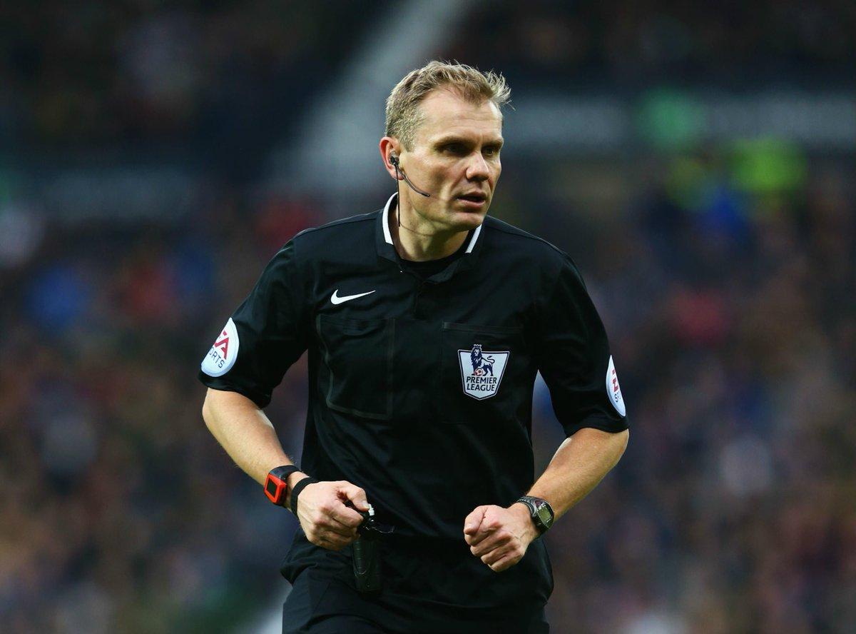Hasil gambar untuk Graham Scott referee