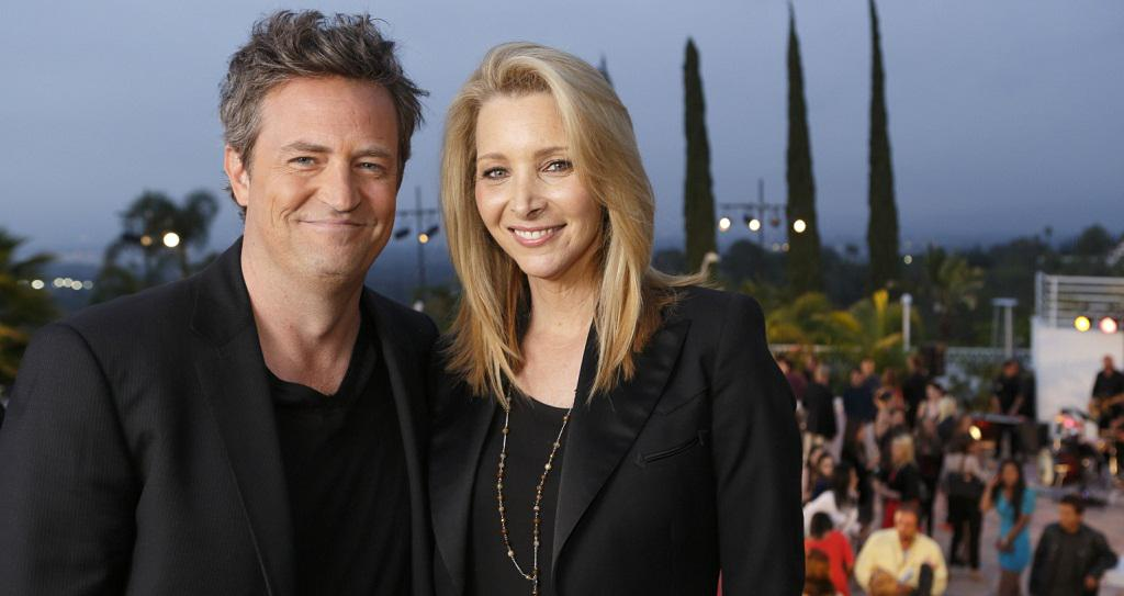 .@LisaKudrow will present the 2015 Phoenix Rising Award to @MatthewPerry at our #TriumphforTeens Awards Gala on 6/15! http://t.co/ZbRSsQtofz