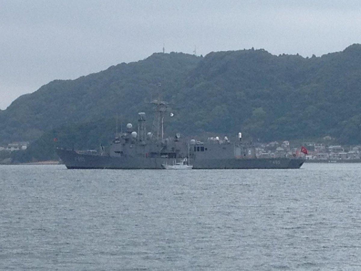 トルコのフリゲート艦ゲディズさん、串本湾(?)内に停泊中 http://t.co/caMfnoun1I