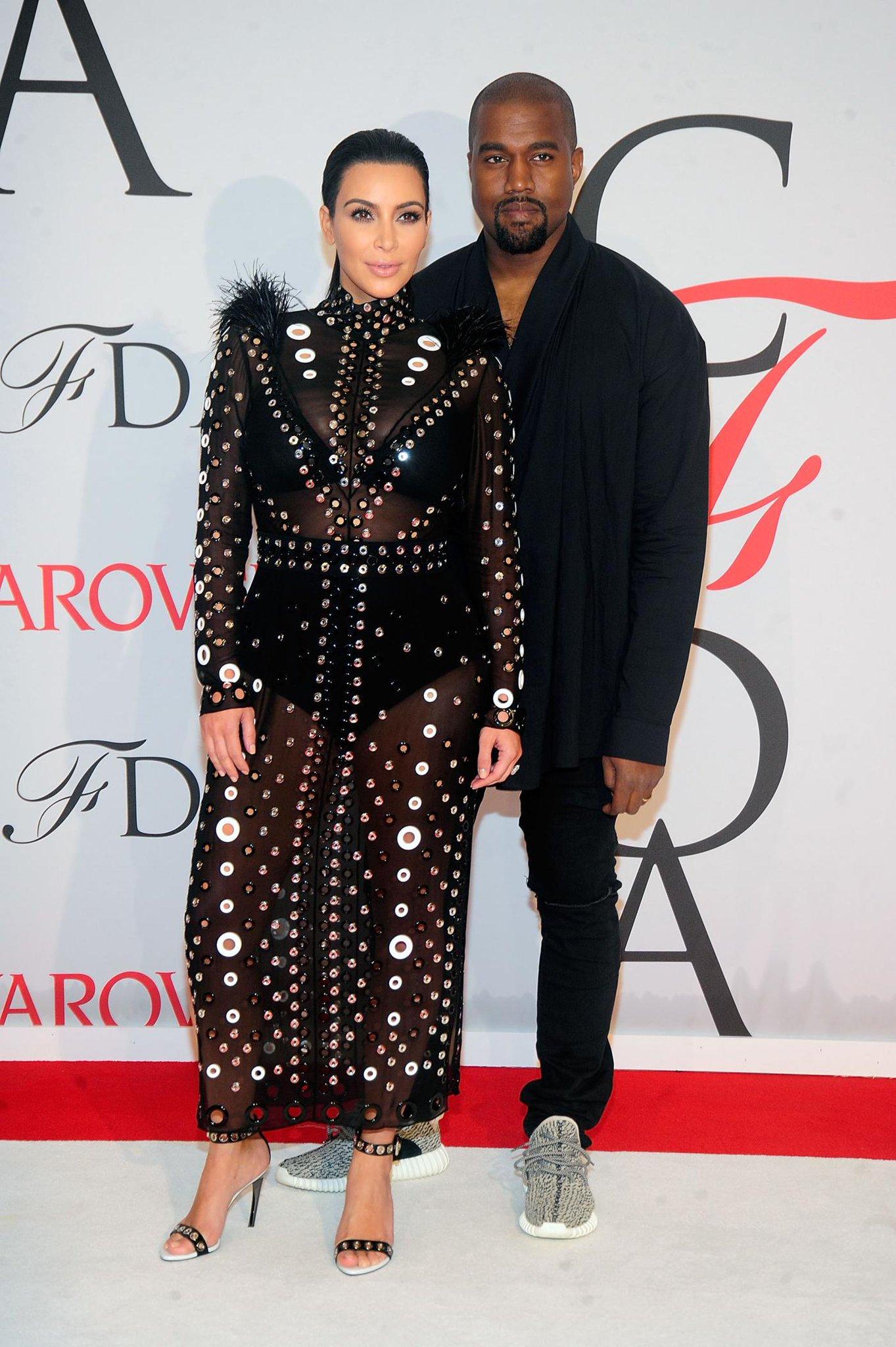 RT @GlobalGrind: Kim Kardashian reveals how she told Kanye she was pregnant http://t.co/CkFym3U4FE http://t.co/vvNYMBuBfN