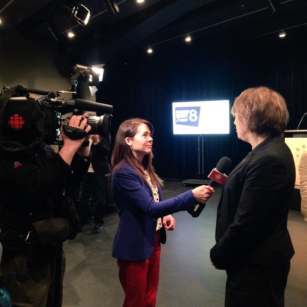 La ministre @David_Hlne en entrevue avec @ValCloutier_RC topo ce soir #tjquebec #rcqc #manifdart <br>http://pic.twitter.com/qXxSCPv8zK
