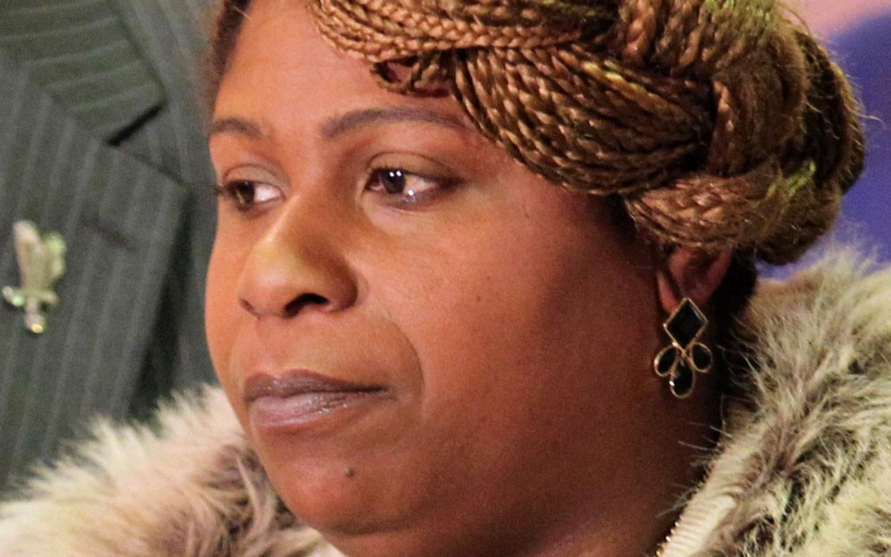 RT @EBONYMag: In an EBONY exclusive, @FeministaJones sat w/ Samaria Rice on loving & losing her son, Tamir: http://t.co/KCTQZwXnxZ http://t…
