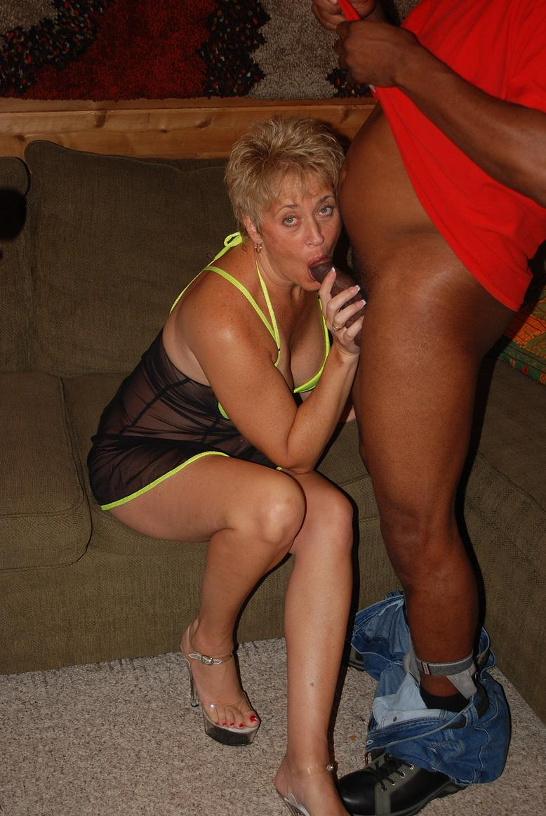 Milf is the center of attention at an adult theater 5