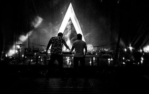 Roll on Saturday!! The Kings - @Axwell @Ingrosso #AxwellIngrosso #AlexandraPalace #OnMyWay #SunIsShining http://t.co/8UNTkWfW5p