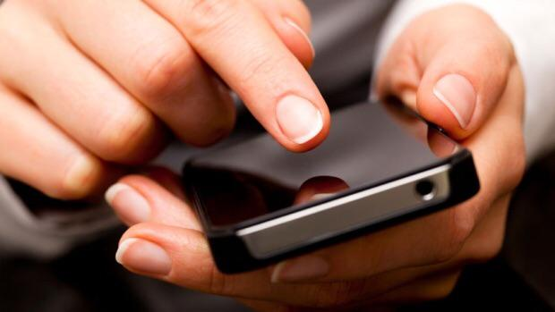 How to get data off an old cell phone