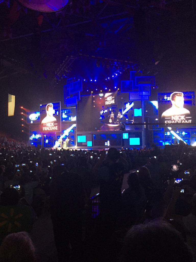 Nick Fradiani rocking out for Walmart #WMTShares http://t.co/JuiPyYR9w8