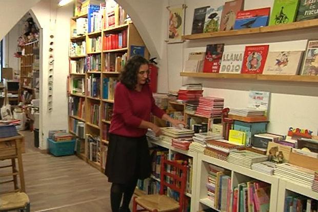 La llibreria Casa Anita, a Gràcia, denuncia pressions per deixar el local http://t.co/q97rpERtI4 http://t.co/kUWbuSbWyh
