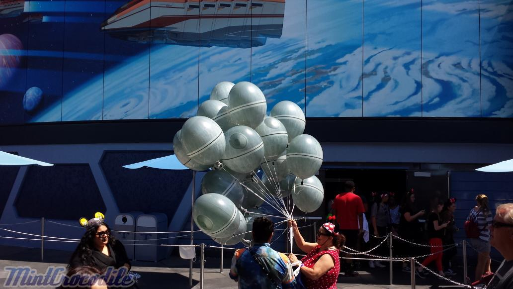 Death Star balloons #Disneyland http://t.co/4vCi4AKJ6p