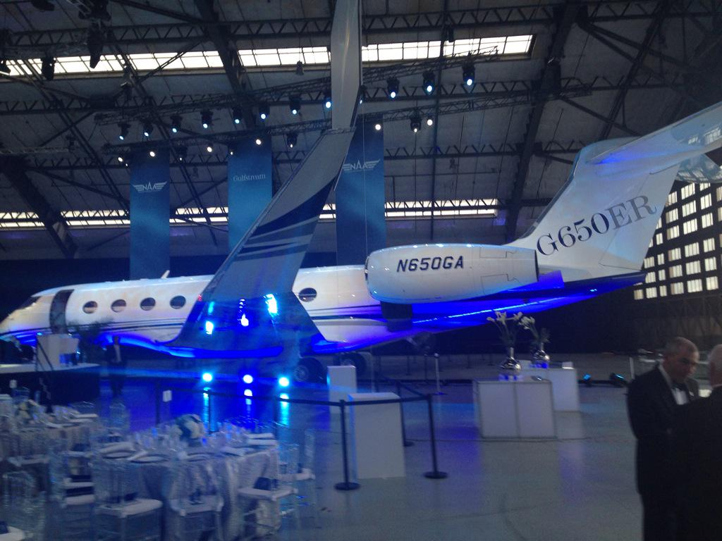 Big congrats to the Gulfstream Aerospace team - G650 Collier Trophy night http://t.co/eZCEKJywEw