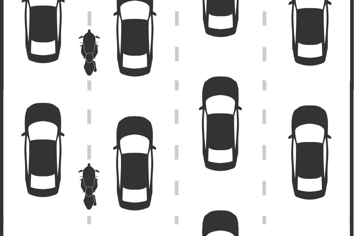 The results are in, and a new UC Berkeley study shows that lane-splitting is safe - http://t.co/th7jsIIJeE http://t.co/NLPw2v4cVU