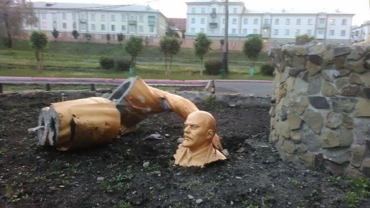 Путин будет принимать футбольный ЧМ-2018, но размах мероприятия придется уменьшить из-за экономических проблем, - Reuters - Цензор.НЕТ 9790