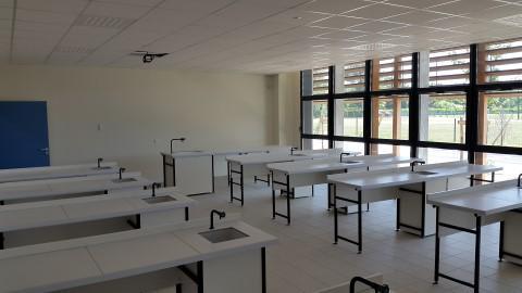 Salle Sciences Salle de Sciences du Collège