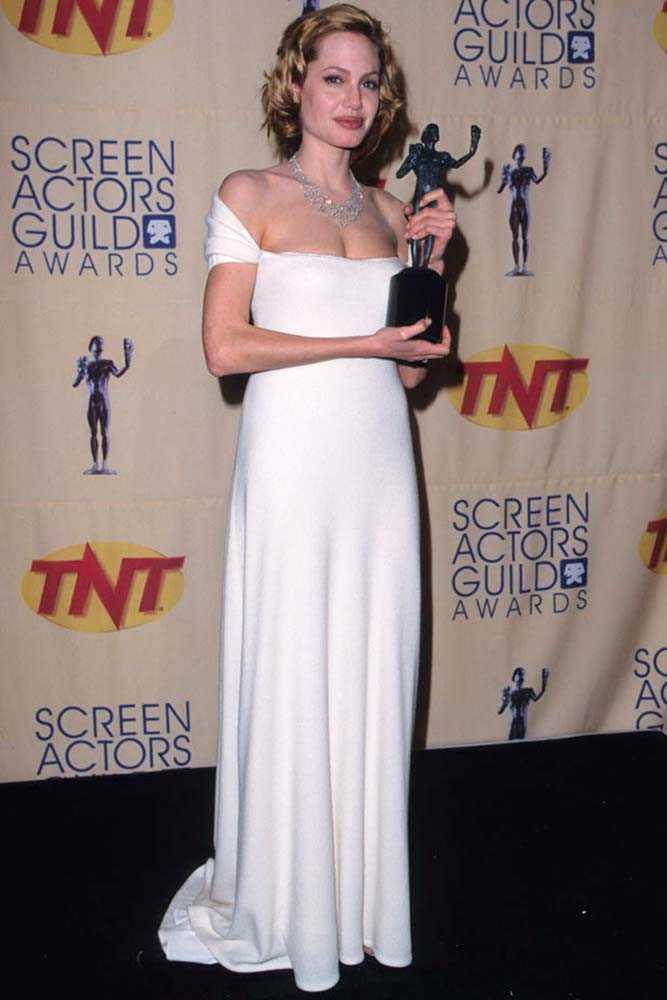 Angelina Jolie : Angelina Jolie badass age | ELLEUK | Scoopnest