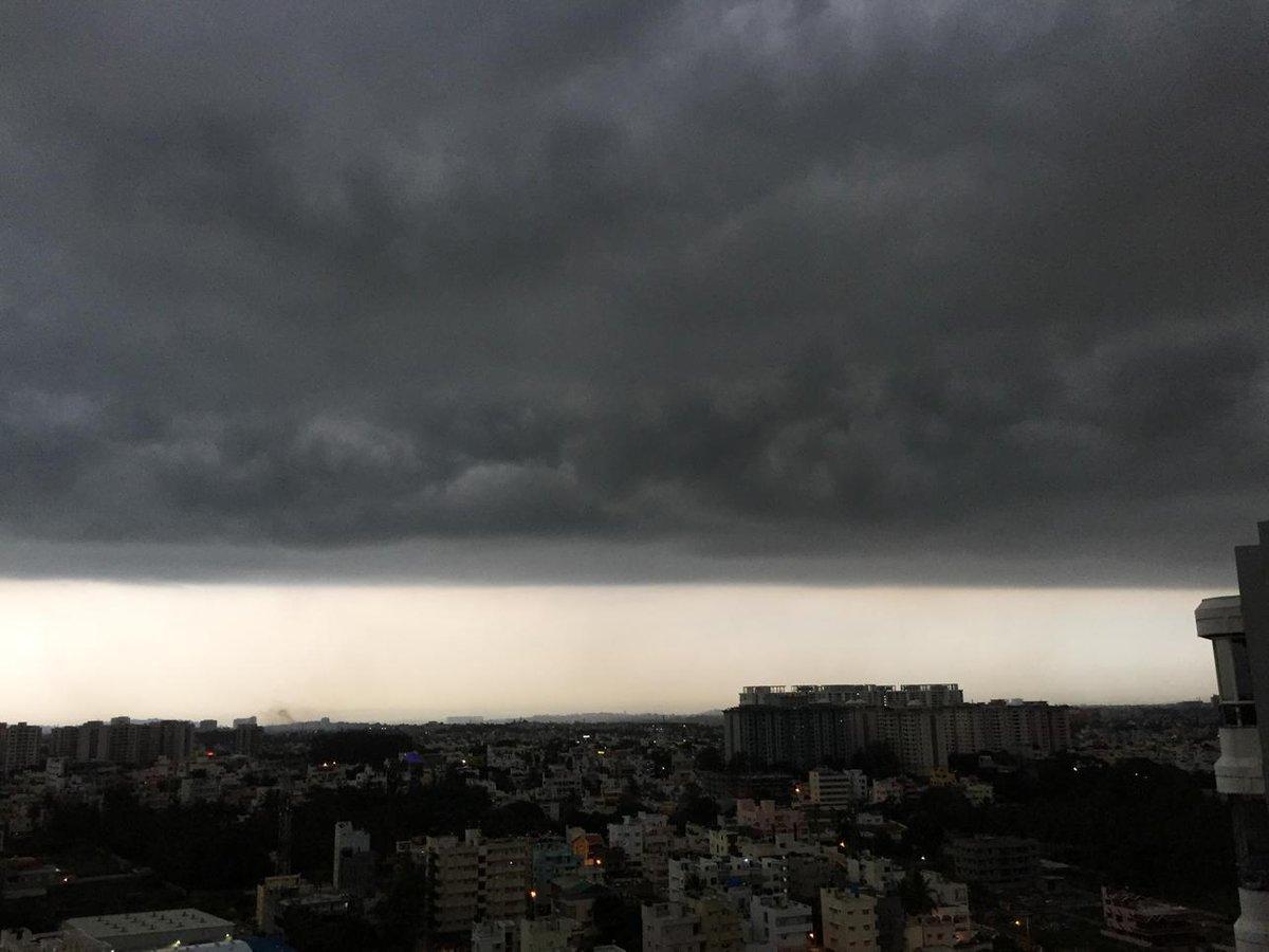 Obligatory Bangalore weather photo.. http://t.co/HC8fIN2woT