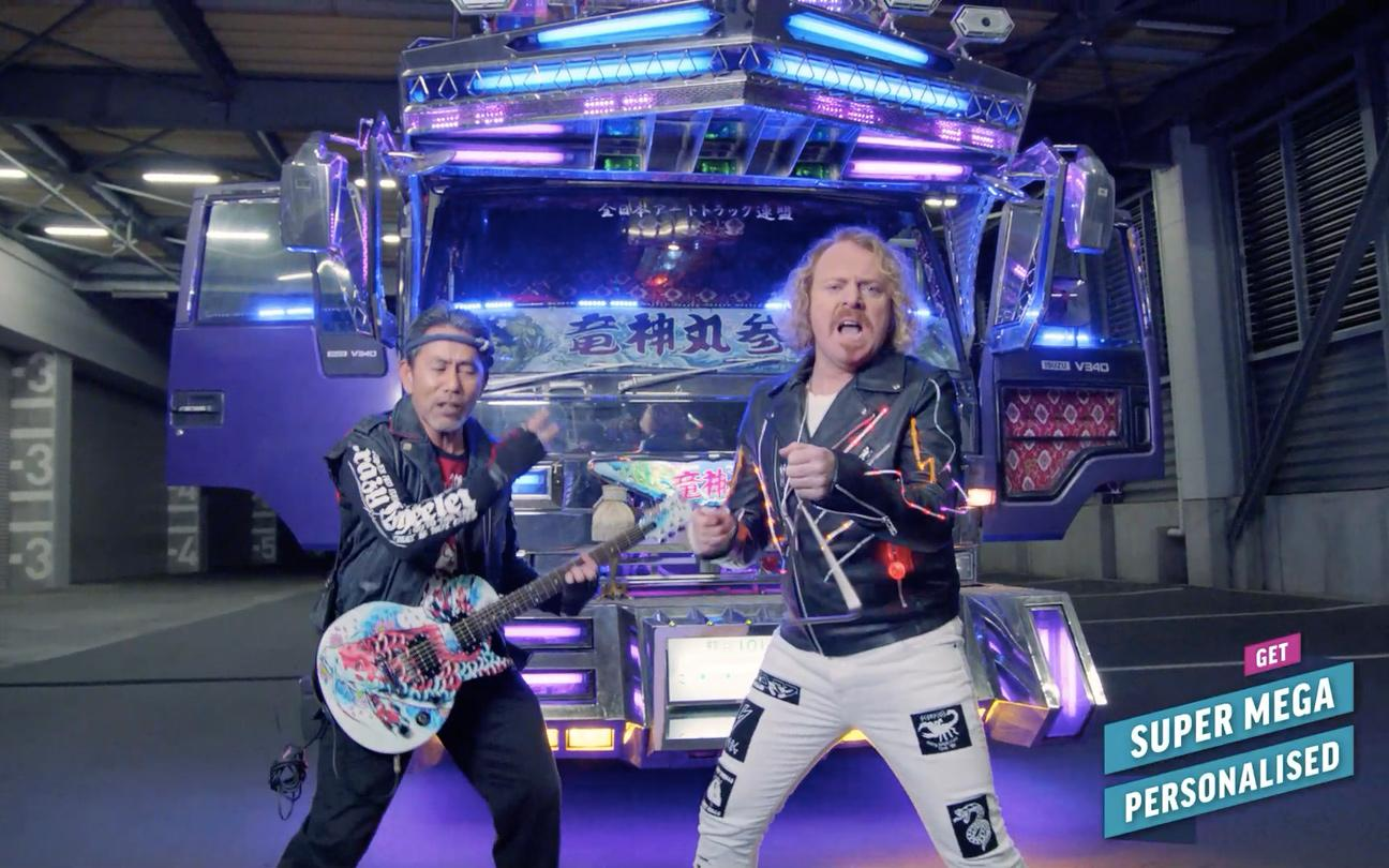 RT @broandsis: Part Deux - where @lemontwittor meets a chap who's covered his lorry in lights. http://t.co/aHiW6x5cXR #SuperMega http://t.c…