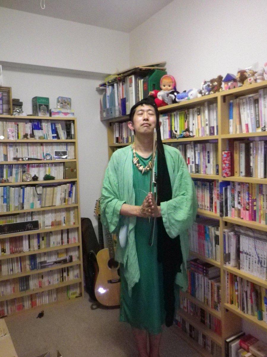 緑のドレス、完成 !! (ひんでん さん の、新しいドレス)。