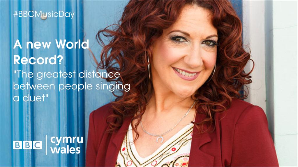 On #BBCMusicDay, @GWR preside over a World Record attempt by @BBCRadioCymru's @RealShanCothi!   #deuawd150 http://t.co/IWuFq5AfWv