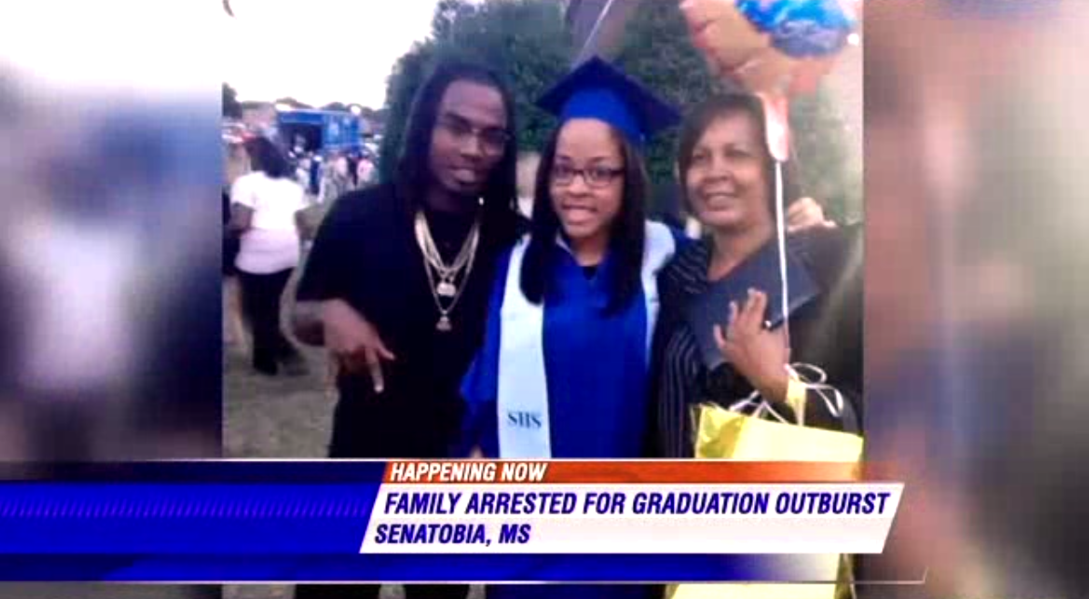 RT @GlobalGrindNews: So this happened: Family fined $500 for cheering at high school graduation http://t.co/yzOakVQGFF http://t.co/umjflExX…
