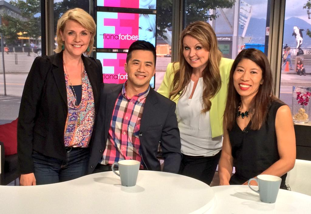 Joining @FionaForbes on  #TheLowdown: @amandatapping @SandraEMartin & @goWestCoastTV producer #TimChung! http://t.co/6VBdIJ6xkW