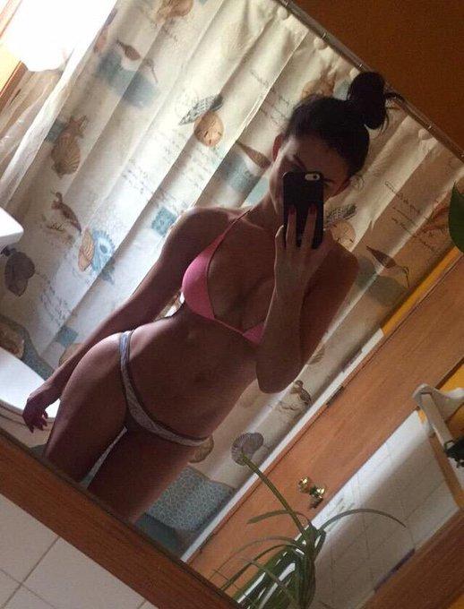 Hot mess express. Zero fucks given 😝 #bikini #mirrorselfie http://t.co/RMKMP0SoNm