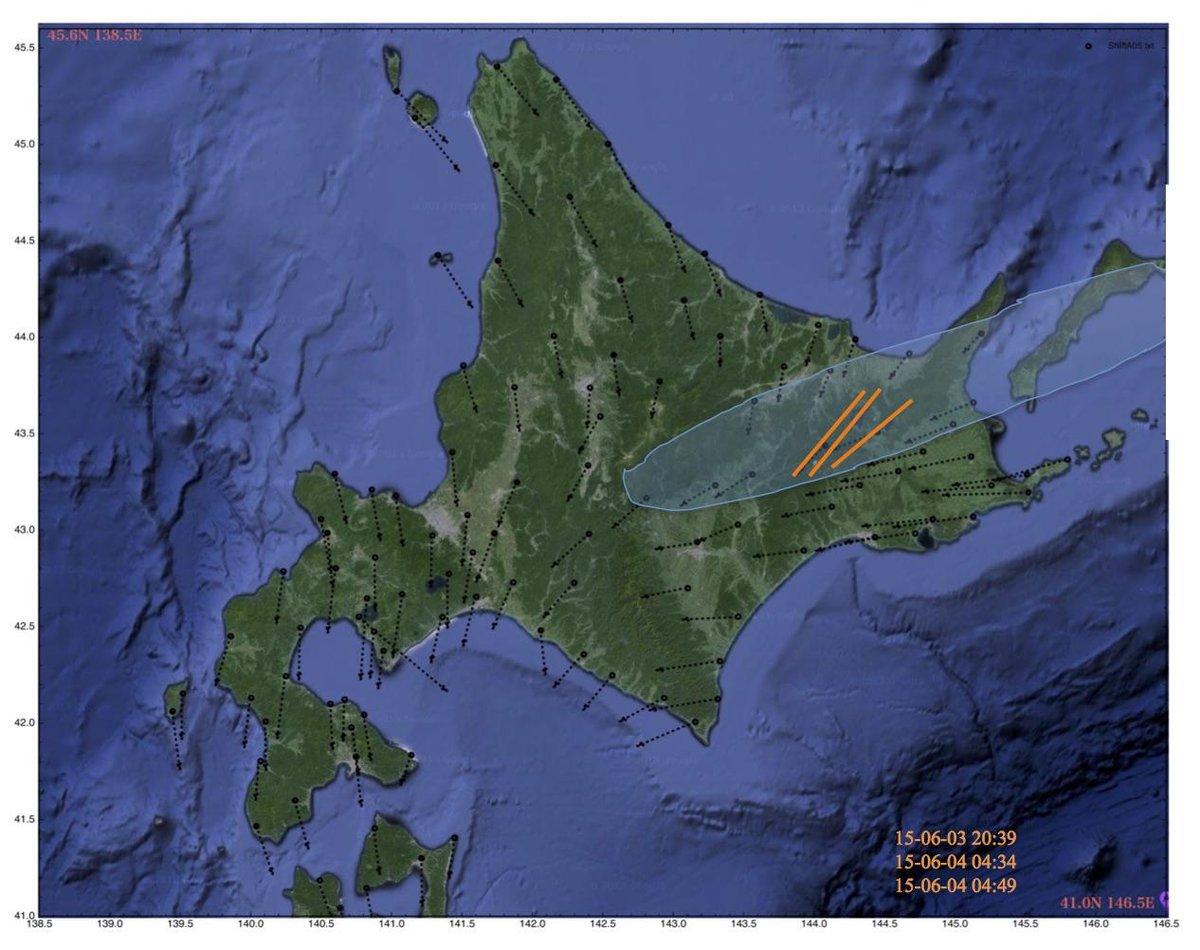 釧路地方中南部の地震、GPSVの方向の急変帯で起こっている。断層の走向は北側ブロックの移動方向に多分平行。右横ずれの卓越は運動方向の変化に整合。 図にあるGPSVの方向の急変帯(カゲの部分)に名前がありそうだが見つけられなかった。 http://t.co/SH3vk3j4fh