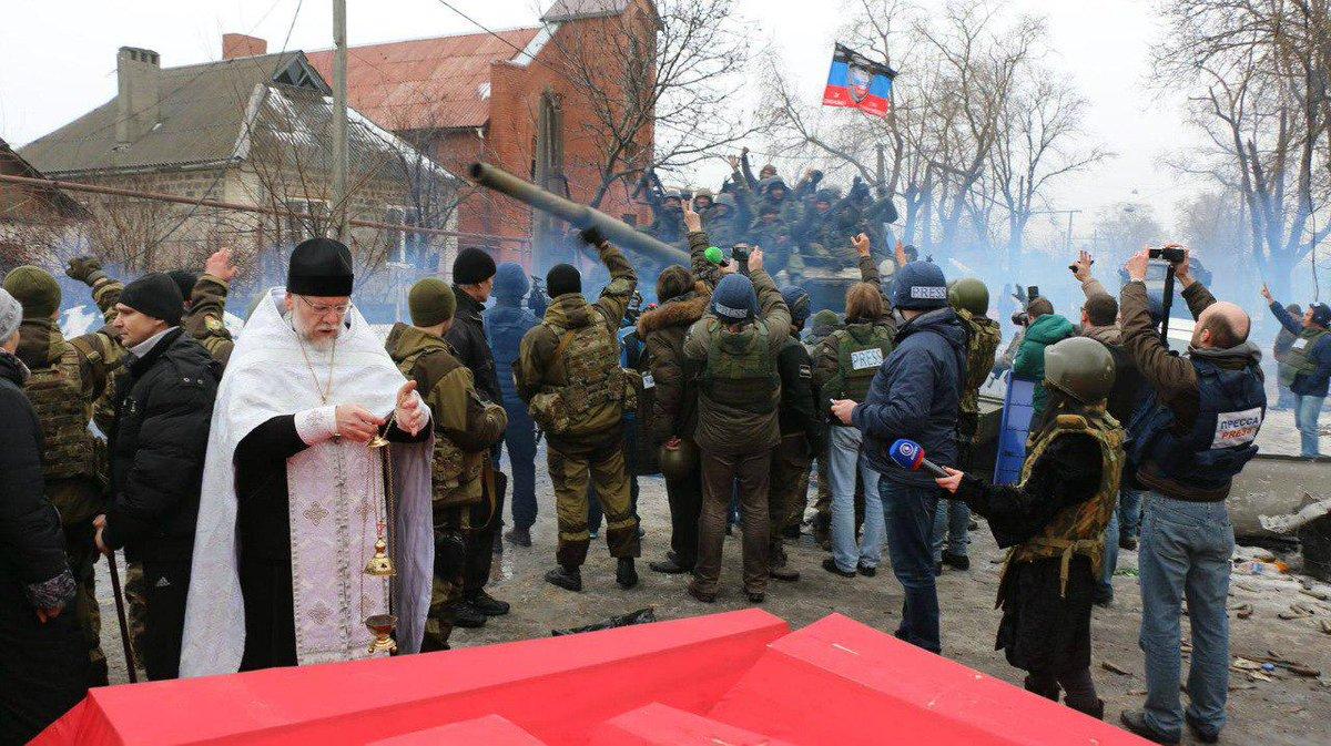 Боевики ведут прицельный огонь по жилым кварталам мирных городов украинского Донбасса, - спикер АТО - Цензор.НЕТ 3315