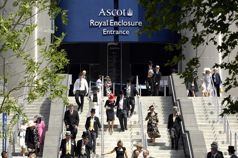 Royal Ascot 2015. CGvJ9n-WoAE-bXn