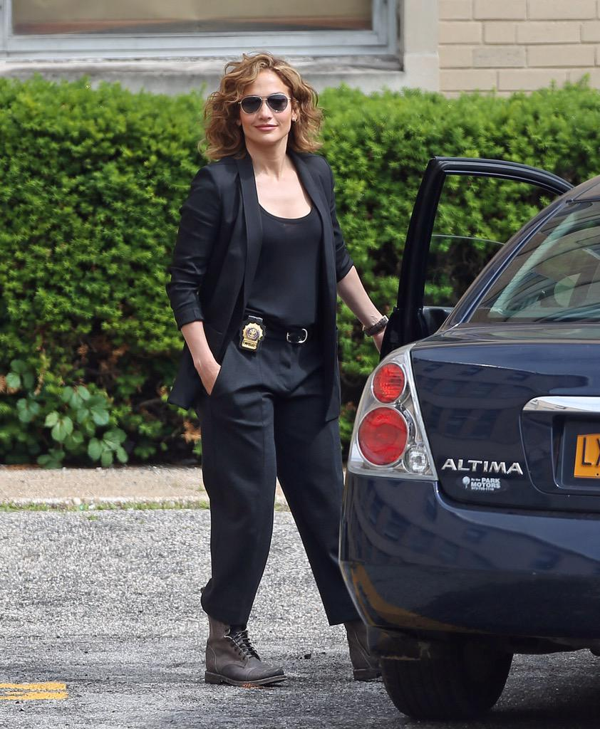 .@JLo on the set of #ShadesOfBlue earlier today! http://t.co/mlgJkwNXC8