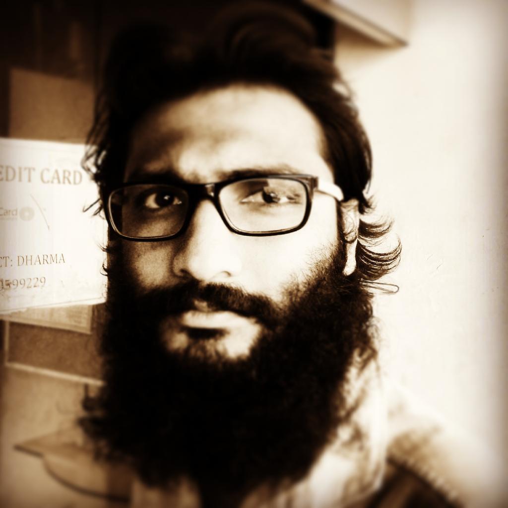 #beardlife #isgettingbigger, #reasonbehindeverything #gonnarevealsoon http://t.co/WM96M0kULa