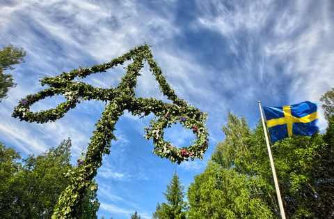 Happy midsummer's eve everyone! Biggest party day in @Sweden - we're heathens really... http://t.co/X2Q6USHG2J