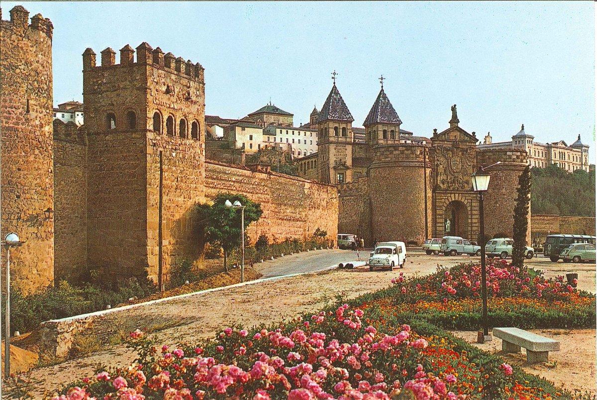 Toledo olvidado on twitter puerta de bisagra y un - Bisagra de puerta ...