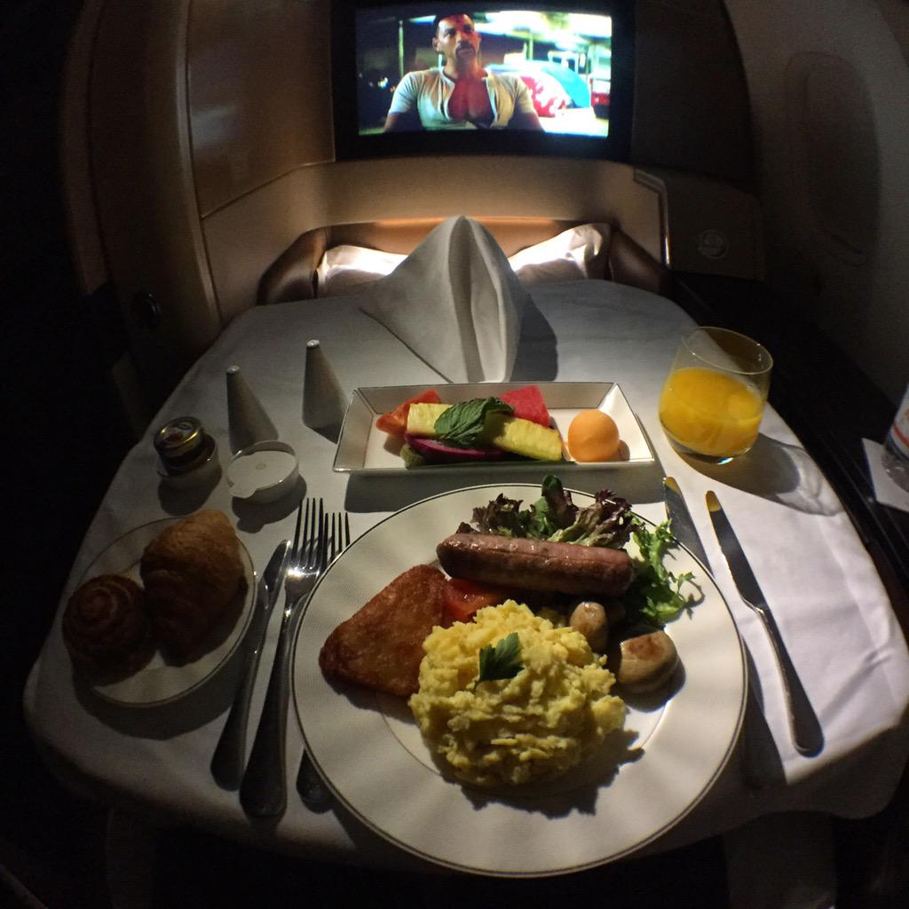 @EtihadAirways Speechless w/your stellar service.I can't wait for you all to be my official home carrier. Flawless :) http://t.co/K7bosk4Wip