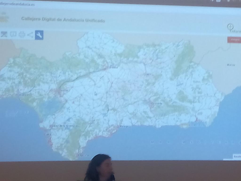 CDAU, hecho con sw libre por y para los ciudadanos. Paloma lo presenta en #geocampes. @Guadaltel http://t.co/111LPZvnT2