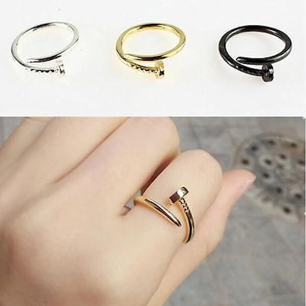 stunning rings #nail #wrap  brilliant http://t.co/K0T226HzDv http://t.co/XbG3RhPSQF