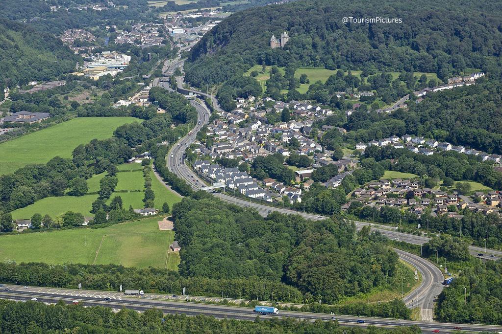 مدينة كارديف عاصمة مقاطعة ويلز في بريطانيا واكبر مدينة في المقاطعة ، تبعد  عن لندن 160 ميلpic.twitter.com/cA5yR8TEPe