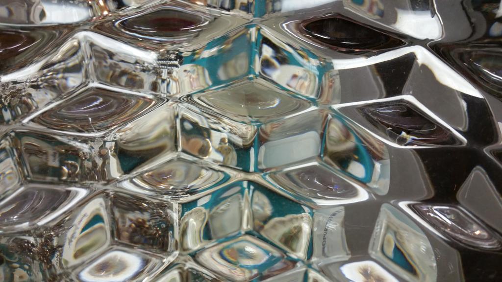 #mathphoto15 #tiles glass bowl in antique shop http://t.co/zc25dMS70e