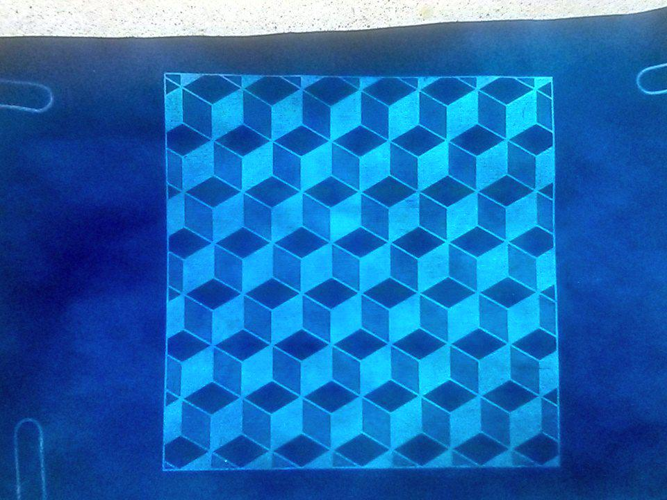 Rhombic #tessellation with cyanotype, now dry! #mathphoto15 #tiles http://t.co/5NP3drsZVL