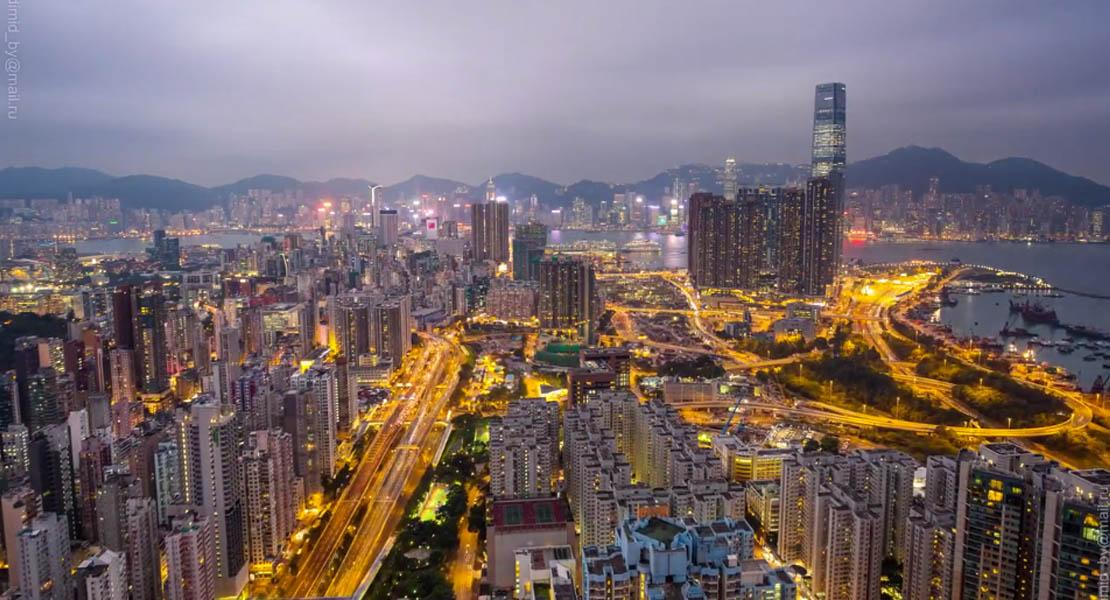 VIDEO Quando un ombrello può cambiare il mondo: Hong Kong in hyper-lapse   http://t.co/d56TI4t8An  #HK #timelapse http://t.co/hD5KeVXJjp