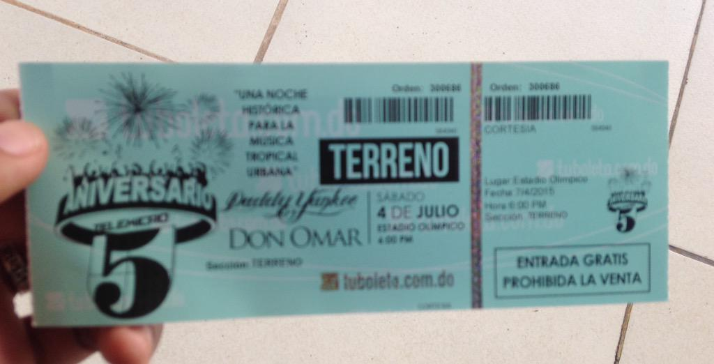#RepDom  Ready para el #AniversarioTelemicro2015 @TelemicroHD los insuperables! of King a King @daddy_yankee @DONOMAR http://t.co/UWL4EZQmbg