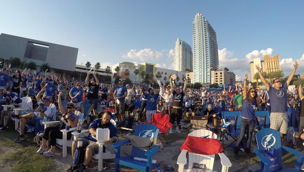 The series may have shifted, but @TBLightning fans are still partying. #StanleyCup http://t.co/cA6V0OLsG1