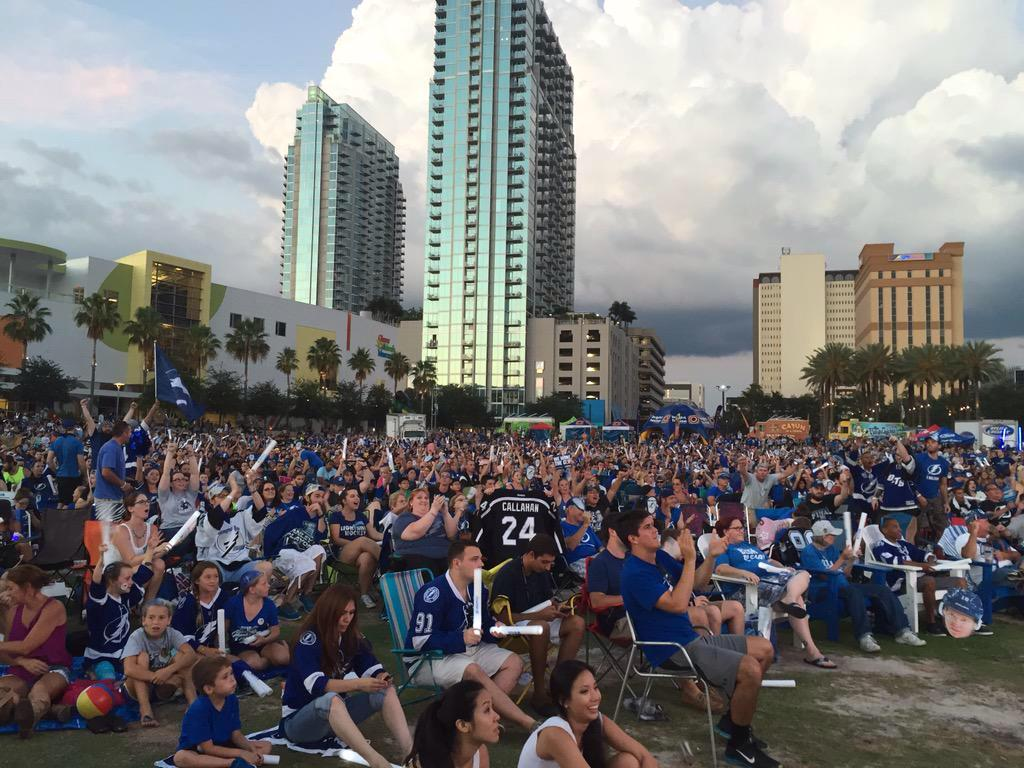 COOL PIC from Curtis Hixon Park watch party for the @TBLightning :  http://t.co/GpFod7XNYF (photo via Mayor @BobBuckhorn )