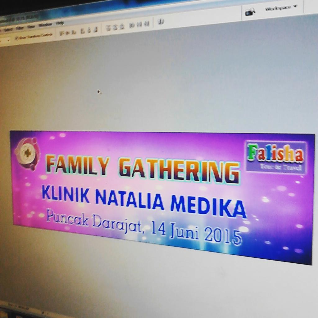 Tren Untuk Desain Banner Family Gathering - Erlie Decor