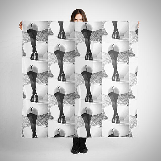 About to rob a bank with one of these @miatyler scarves on... http://t.co/hVTvmpRkei