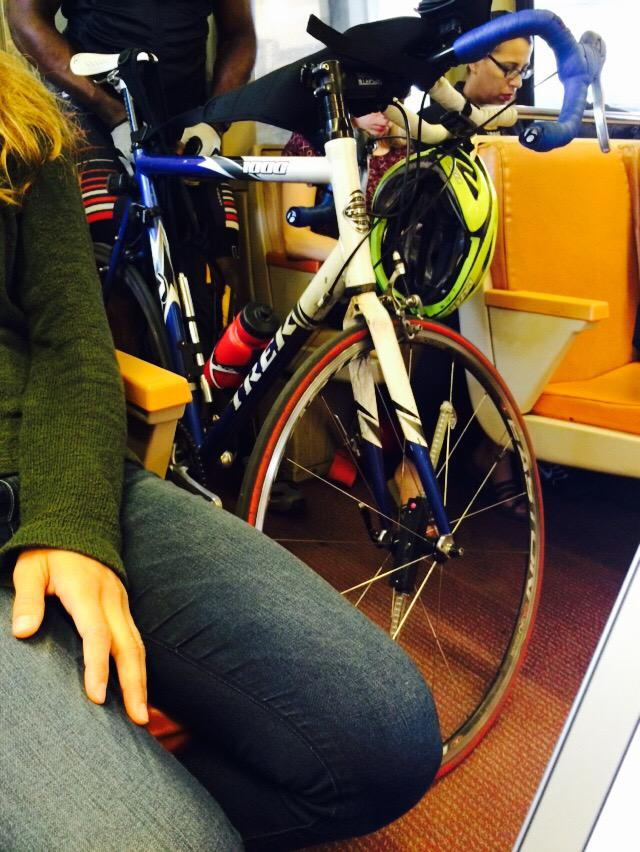 Nothing more annoying than guy bringing his bike on the train during rush hour. #WMATA http://t.co/I38Q6LrtM9